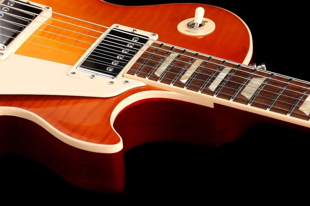 Gibson Les Paul Traditional Plus Light Burst (LB)