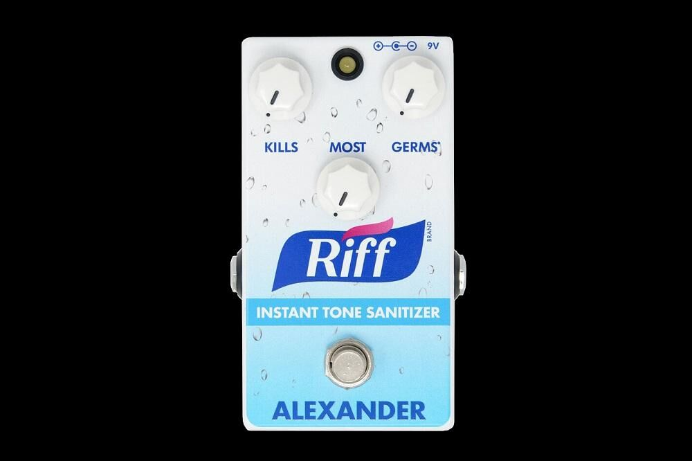 Alexander Pedals The Riff