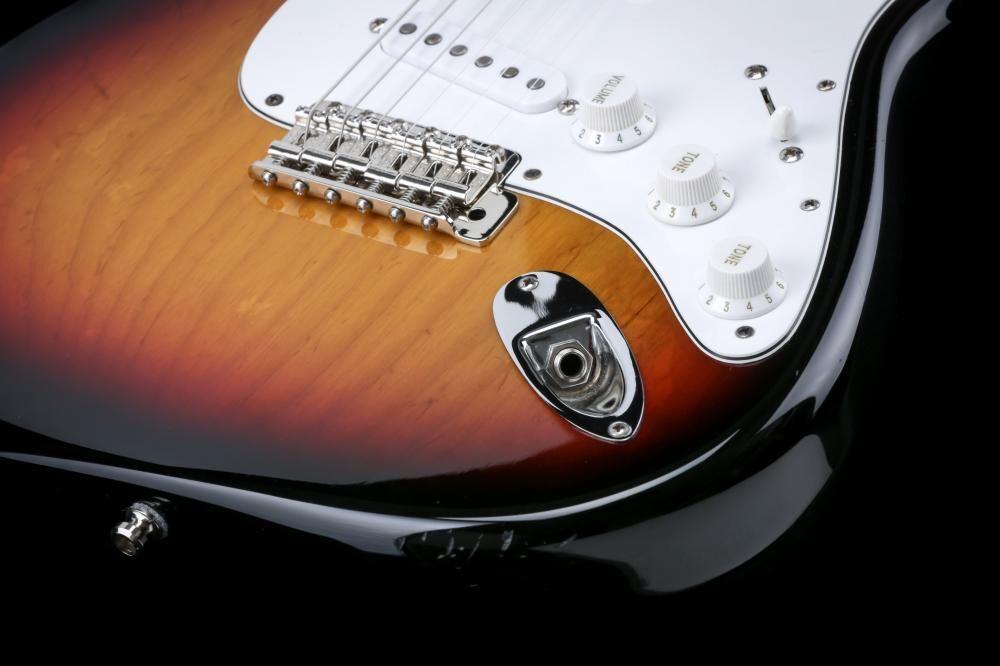 Fender American Vintage '70 Reissue Stratocaster (BA-II)