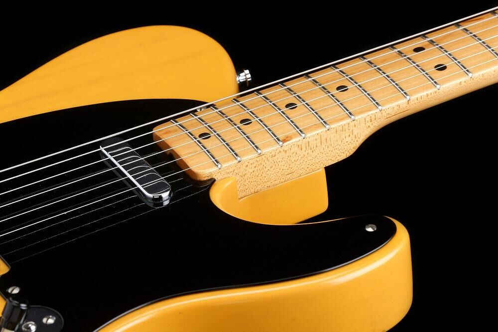Fender American Vintage '52 Reissue Telecaster (HH-XI)